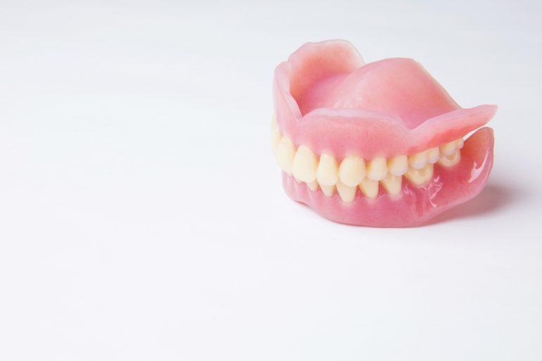 入れ歯でお悩みの方